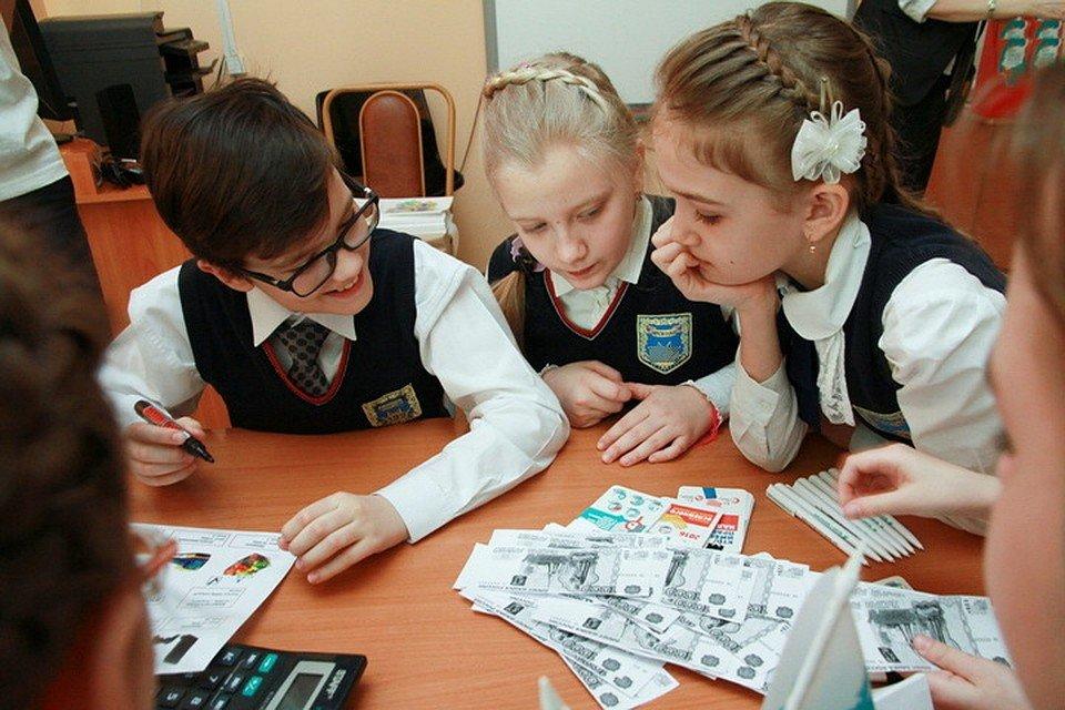 Поборы в школах — как бороться и куда жаловаться на сборы денег в школах?